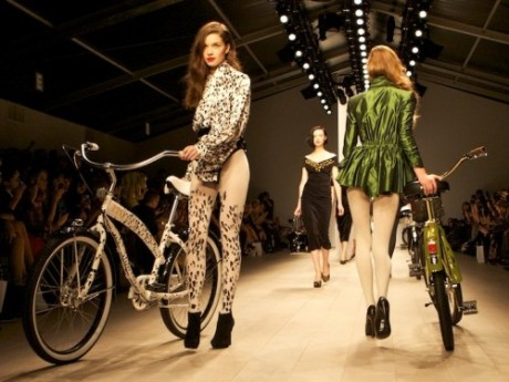 PPQ-RULE-Bikes-catwalk